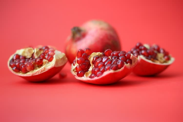 अनार खाने के फायदे और नुकसान - Pomegranate Benefits and Side effects in Hindi - Anar Khane ke Fayde aur Nuksan