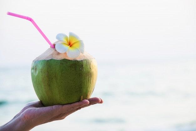 नारियल पानी के फायदे और नुकसान - Nariyal Pani Ke Fayde Aur Nuksan – Coconut Water Benefits and Side Effects In Hindi