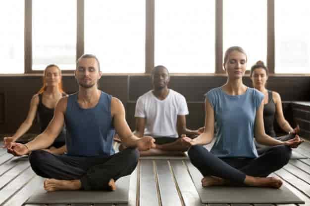 भस्त्रिका प्राणायाम करने का तरीका और फायदे – Bhastrika Pranayama steps and benefits in Hindi