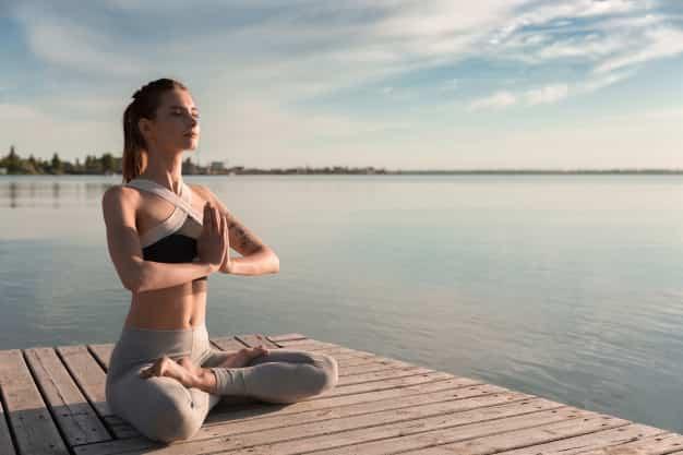 सूर्य भेदन प्राणायाम कैसे करे और फायदे – Surya Bhedana Pranayama steps and benefits in Hindi