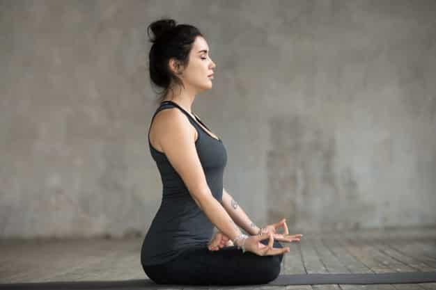 दीर्घ प्राणायाम कैसे करे और फायदे - Dirga pranayama steps and benefits in Hindi