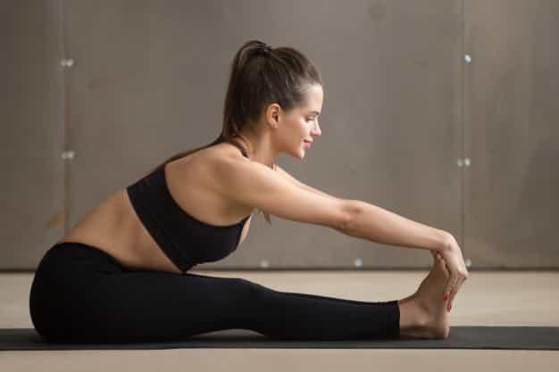 जल्दी प्रेगनेंट होने के लिए योग में पश्चिमोत्तानासन योग करे (Jaldi Pregnant Hone Ke Liye Yoga Me Paschimottanasana Yoga Kare)