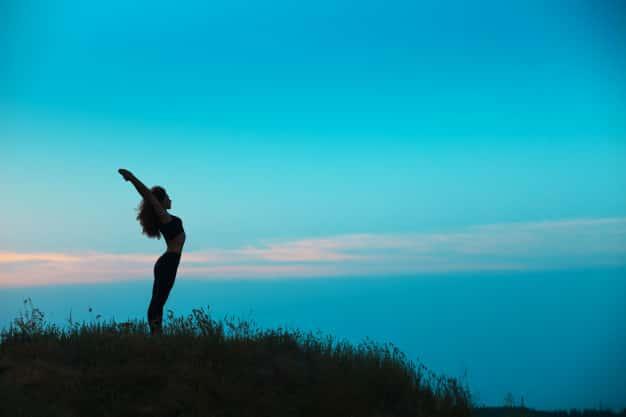 ताड़ासन करने का तरीका और फायदे – Tadasana (Mountain Pose) steps and benefits in Hindi