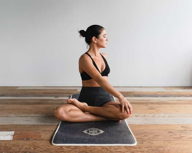 भारद्वाजासन करने का तरीका और फायदे – Bharadvajasana (Seated Twist Pose) Steps and Benefits in Hindi