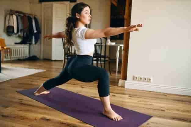 वीरभद्रासन 2 करने का तरीका और फायदे – Virabhadrasana 2 (The Warrior Pose 2) Steps and Benefits in Hindi