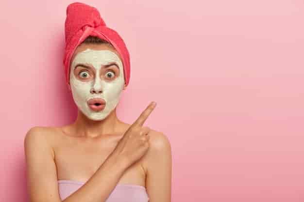 ग्लोइंग स्किन के लिए घरेलू उपाय, नुस्खे और उपचार (Glowing Skin Tips in Hindi)