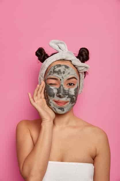चेहरे के लिए मुल्तानी मिट्टी का फेस पैक कैसे बनाये (Multani Mitti Ka Face Pack in Hindi)