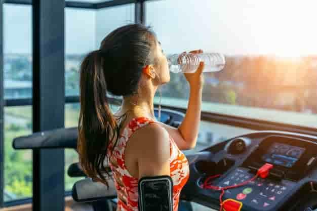 Benefits of Drinking Water in Hindi, Water Benefits in Hindi, Health Benefits Of Water in Hindi, Pani Peene Ke Fayde,