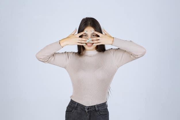 चेहरे के सफेद दाग कैसे हटाये - Chehre Ke Safed Daag Kaise Hataye (Home Remedies For White Spots on Face in Hindi)