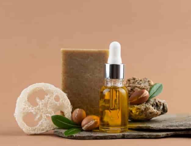 आर्गन ऑयल के फायदे, उपयोग और नुकसान – Argan Oil Ke Fayde, Upyog Aur Nuksan (Uses, Side Effects And Benefits of Argan Oil in Hindi)