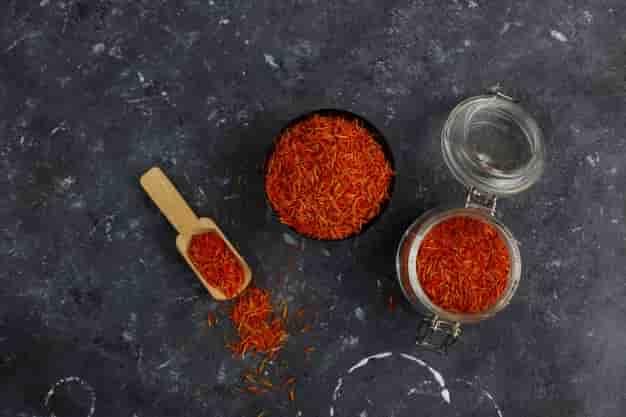 केसर के फायदे, उपयोग और नुकसान - Kesar Ke Fayde, Upyog Aur Nuksan (Uses, Side Effects And Benefits of Saffron in Hindi)